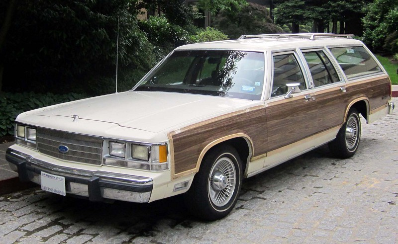 Ford LTD Country Squire 1983 - универсал